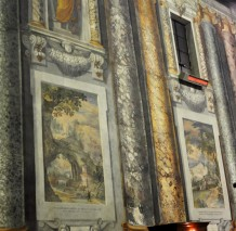 Images in the Naturalist church in Rome