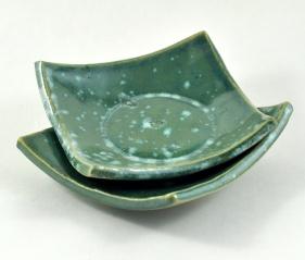nesting dishes